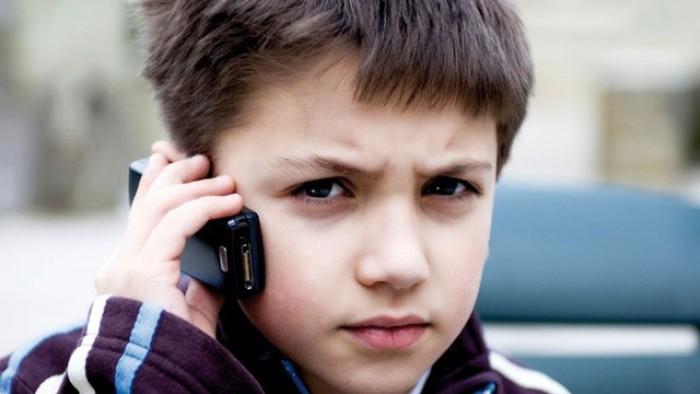 18 000 de apeluri recepţionte la Telefonul Copilului, de la lansare