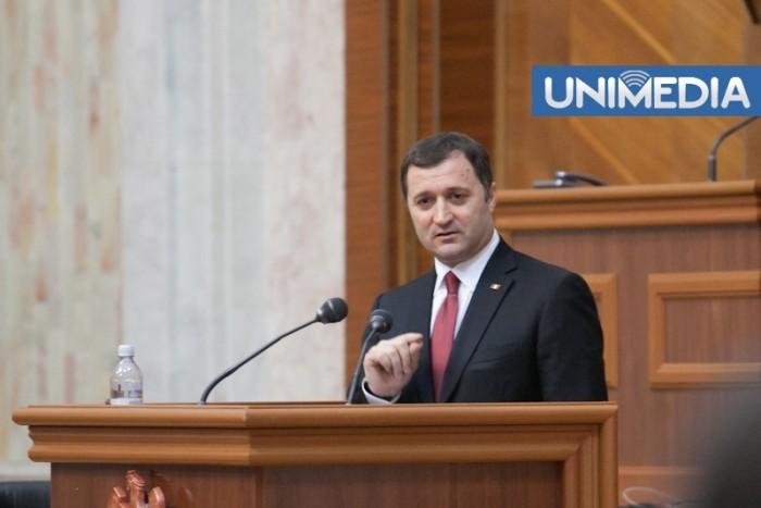 (doc) Premierul Filat a prezentat în Parlament raportul de activitate al Guvernului