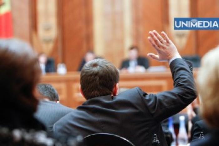 Șapte judecători ai CSJ, demiși de Parlament