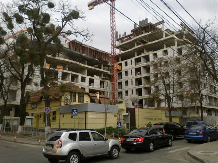 Ștefăniță: Ambasada Franței la Chișinău, nevoită să-și schimbe sediul din cauza unei construcții ilegale