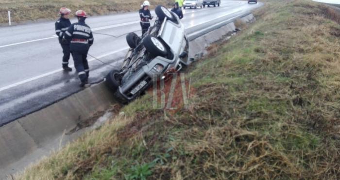 Accident la Valea Grecului: o familie de moldoveni a ajuns la spital