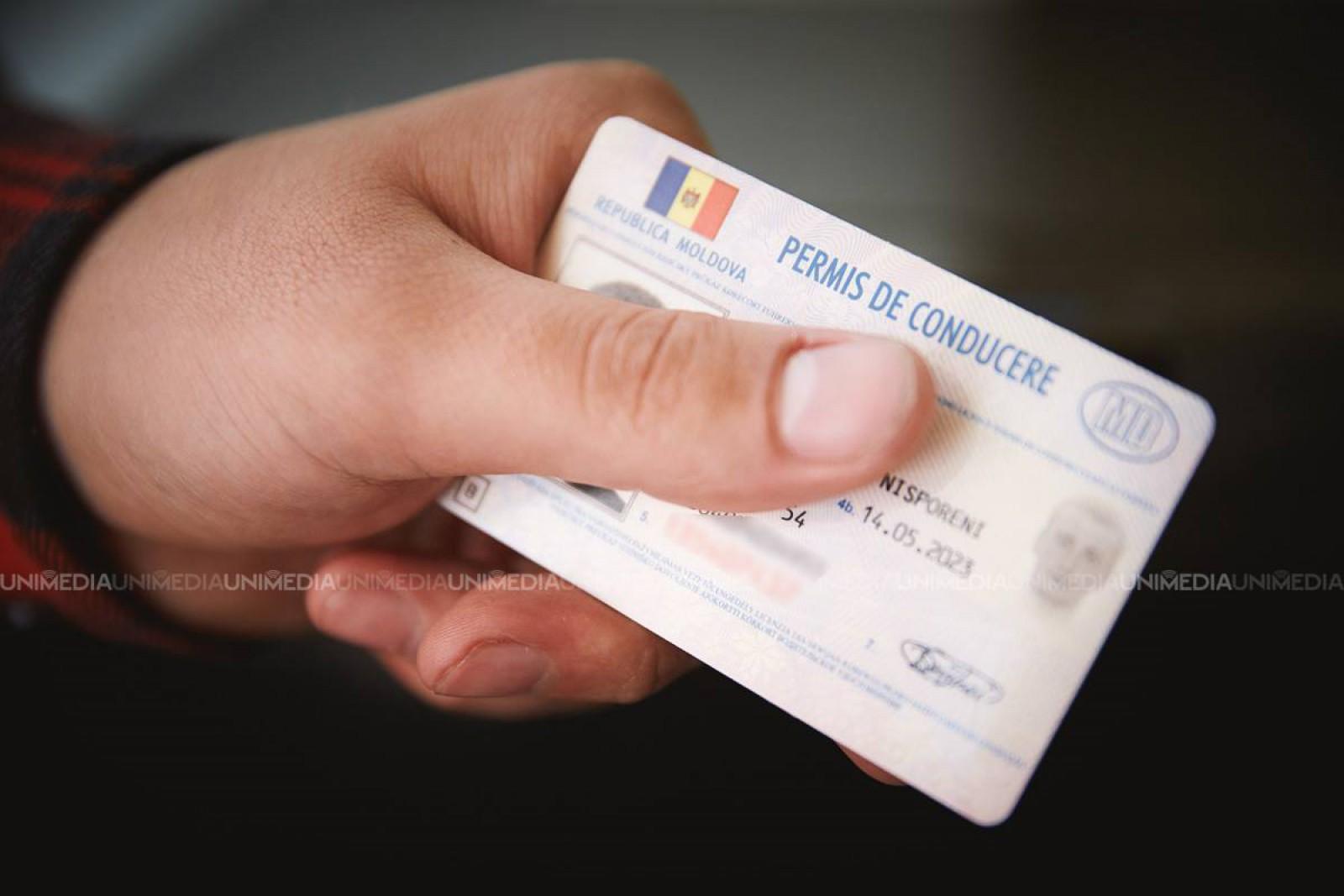 Actual în Moldova. Cât poate ajunge să coste un permis de conducere pe piaţa neagră