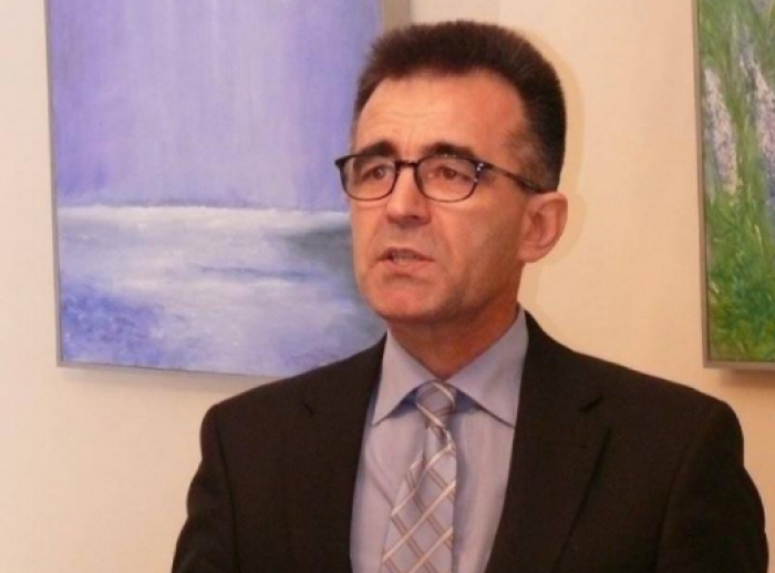 Ambasadorul RM la Bucureşti: Decretul lui Dodon privind retragerea cetăţeniei lui Băsescu ar putea fi declarat neconstituţional