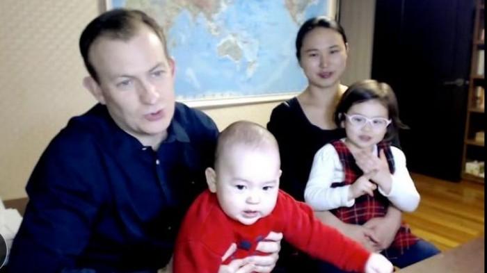 Analistul de politică externă întrerupt de cei doi copii mici în timp vorbea în direct la BBC: A fost o comedie a erorilor