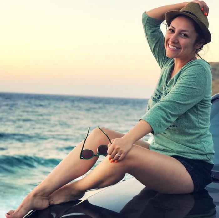 """(foto/video) Andra a lansat piesa """"Mi-ai luat mințile"""". Artista se află în vacanță alături de familia ei"""