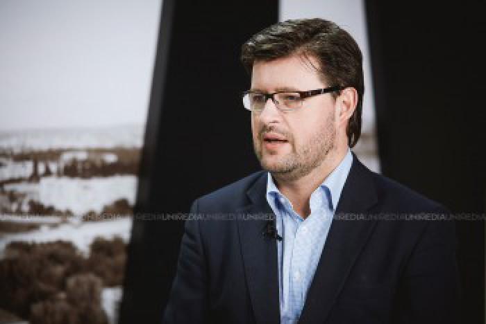 """Andrei Popov: Asistăm la un nou """"meci aranjat""""; Eugen Sturza este folosit drept carne de tun, iar ulterior se va desemna un alt candidat convenabil pentru PD și PSRM"""