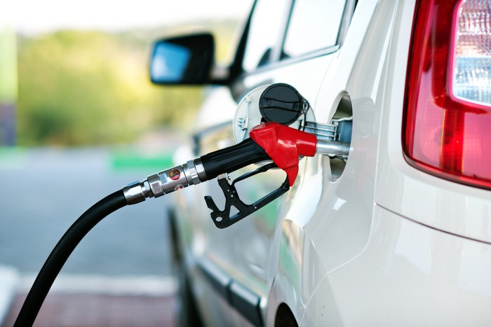 Carburanţii se scumpesc din nou! Iată noile tarife plafon pentru benzină şi motorină