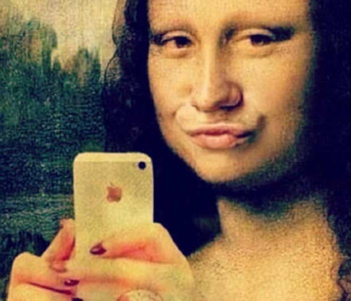 """Asociația Americană de Psihiatrie a recunoscut oficial """"selfie"""" drept o tulburare mintală"""