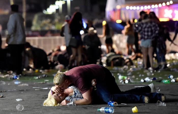 Atacatorul din Vegas era milionar în dolari, avea mai multe maşini, avion personal şi locuia într-o casă de 400.000 de dolari