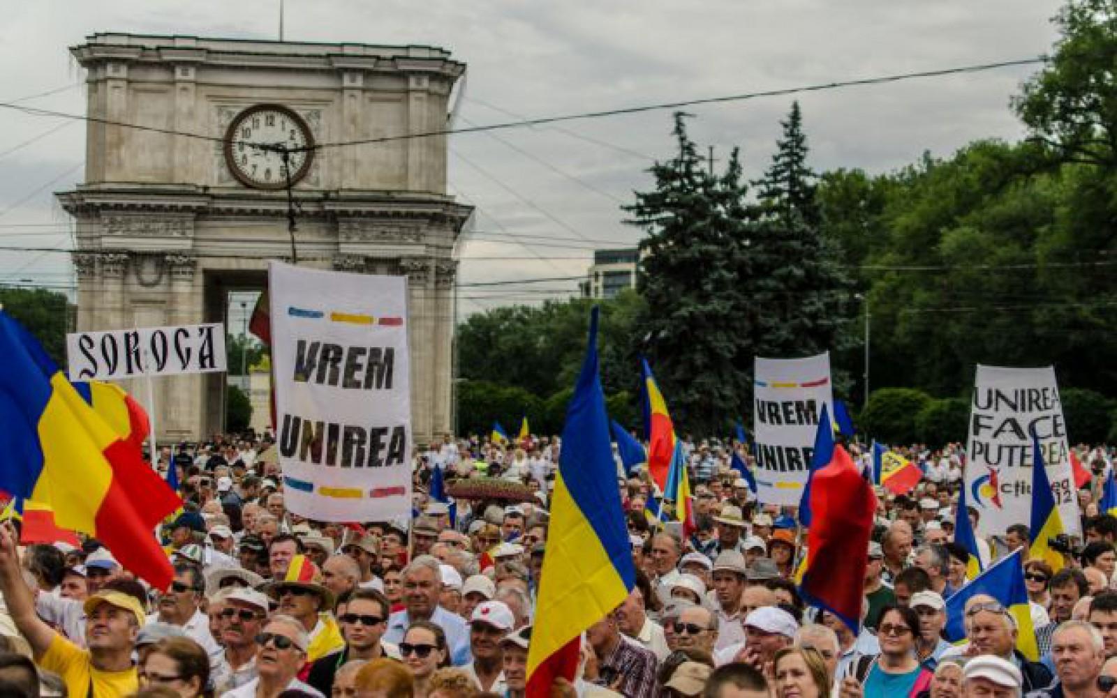 """Au semnat Unirea deja 10 localități din Moldova: """"Declarăm UNIREA imediată şi necondiţionată cu patria-mamă"""""""
