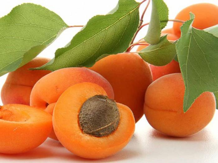 Beneficiile consumului de caise. Fructele care sunt o fântână a tinereţii şi sănătăţii