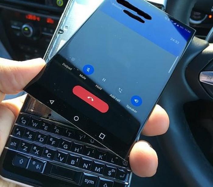 BlackBerry susţine că a rezolvat problema cu display-ul de pe KEYone