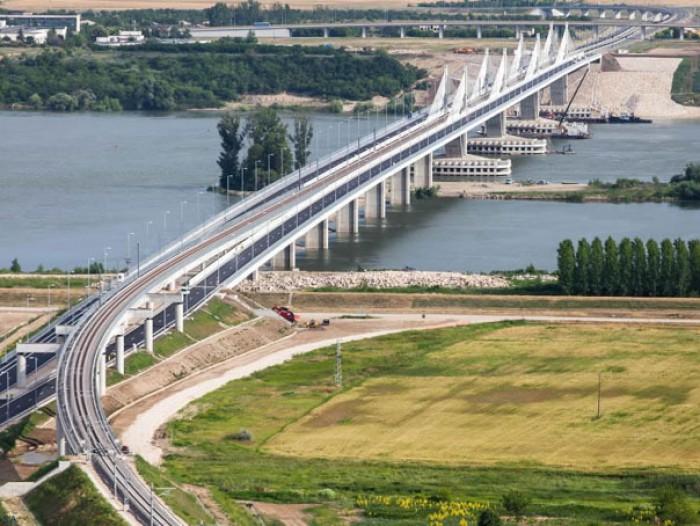 Bulgaria şi România vor construi încă un pod peste Dunăre