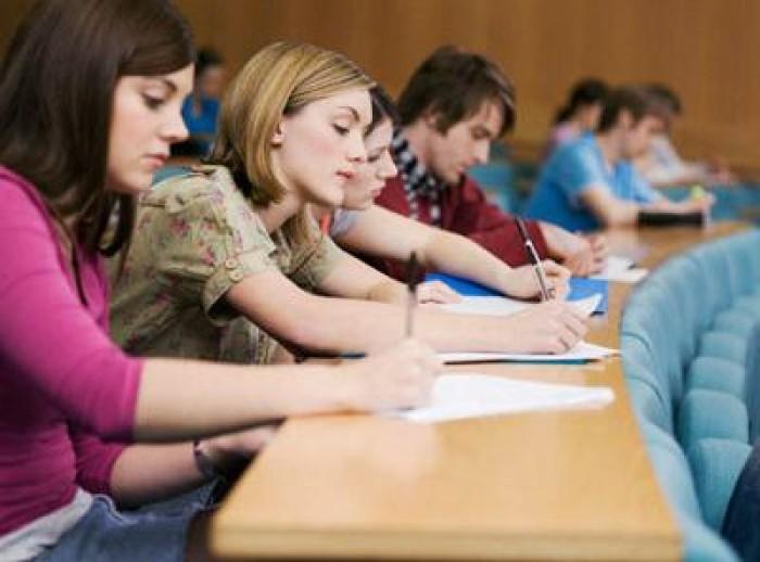 Noi oportunități pentru tineri. Burse private oferite de agenții economici