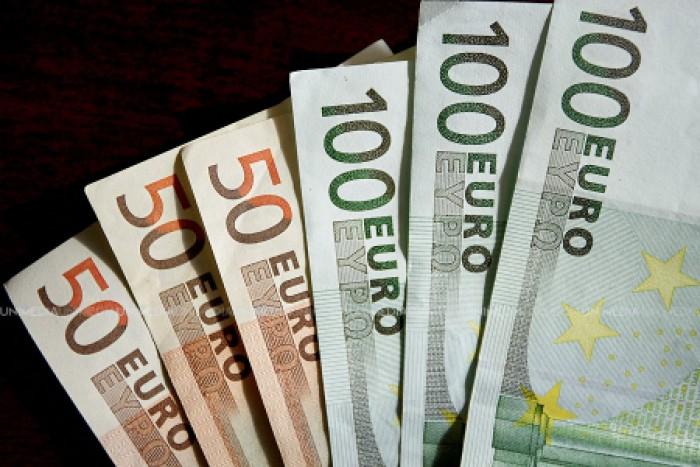 Captură impresionantă în Italia: Bancnote false valorând 28 de milioane de euro, produse inclusiv în România, confiscate de autorităţi