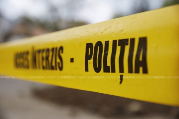 Caz grav la Hâncești: Un copil de 10 ani a fost găsit strangulat de streașina unei anexe a casei