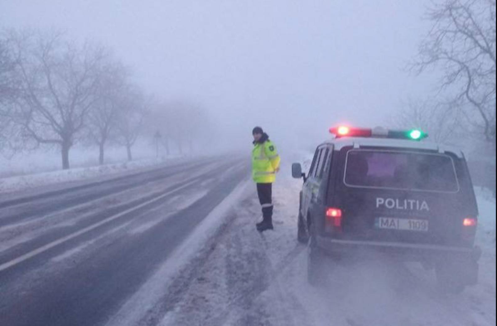 Ceață densă peste toată țara. Șoferii sunt îndemnați să evite călătoriile lungi