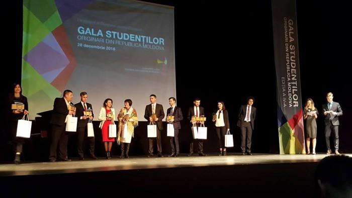Cei mai buni studenți moldoveni din străinătate au fost premiați