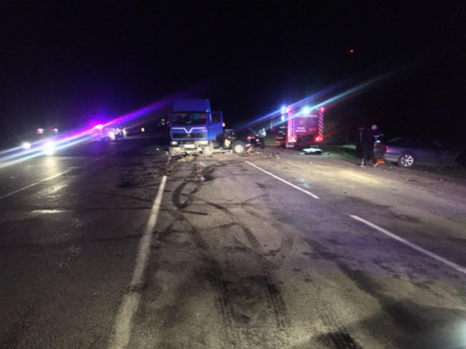 (update) Cei patru angajați ai SPPS, care au nimerit într-un accident cumplit noaptea trecută la Drochia, ar fi din paza președintelui, Igor Dodon