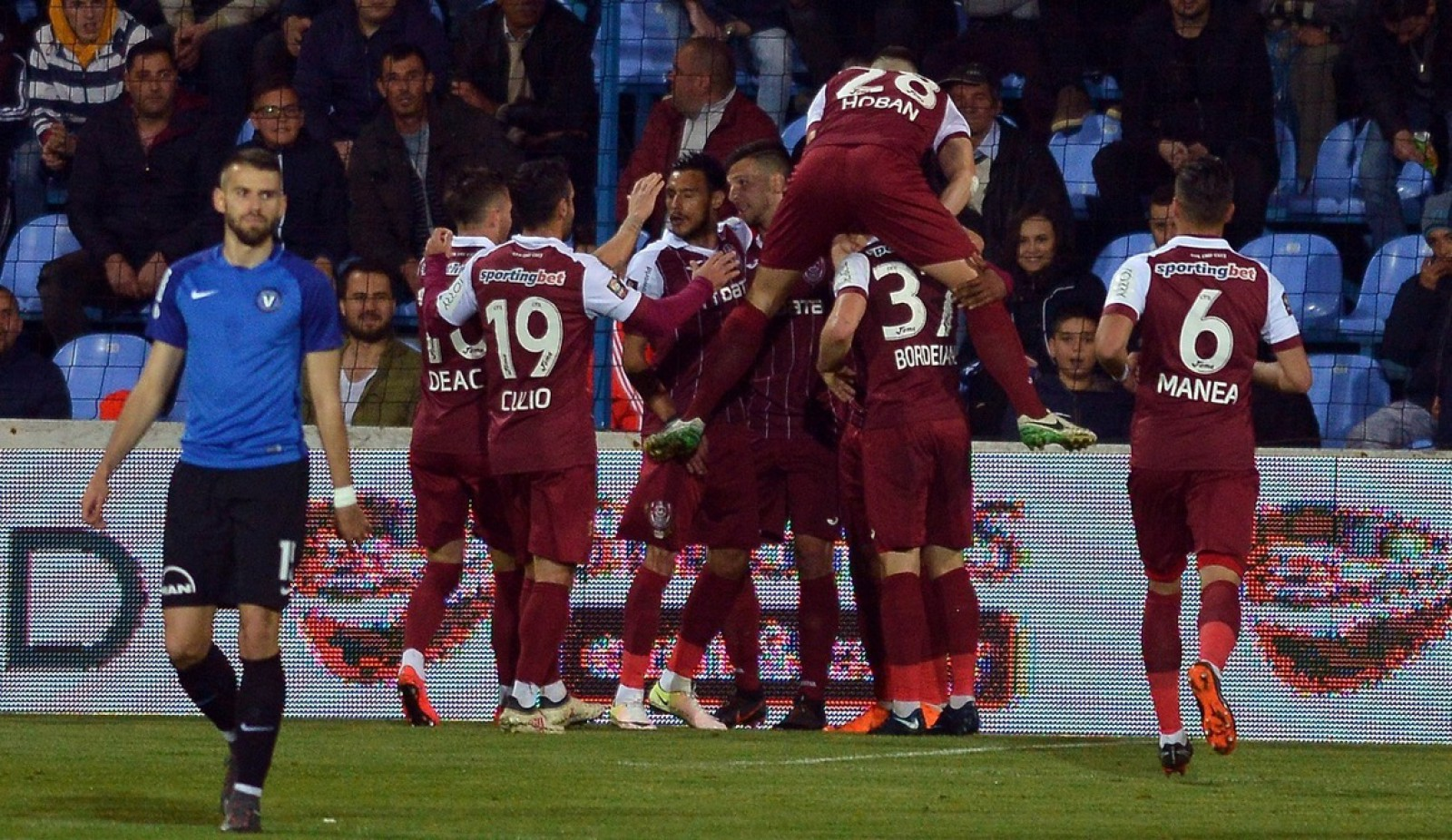 CFR este noua campioană a României! Clujenii au cucerit titlul după 6 ani de așteptare