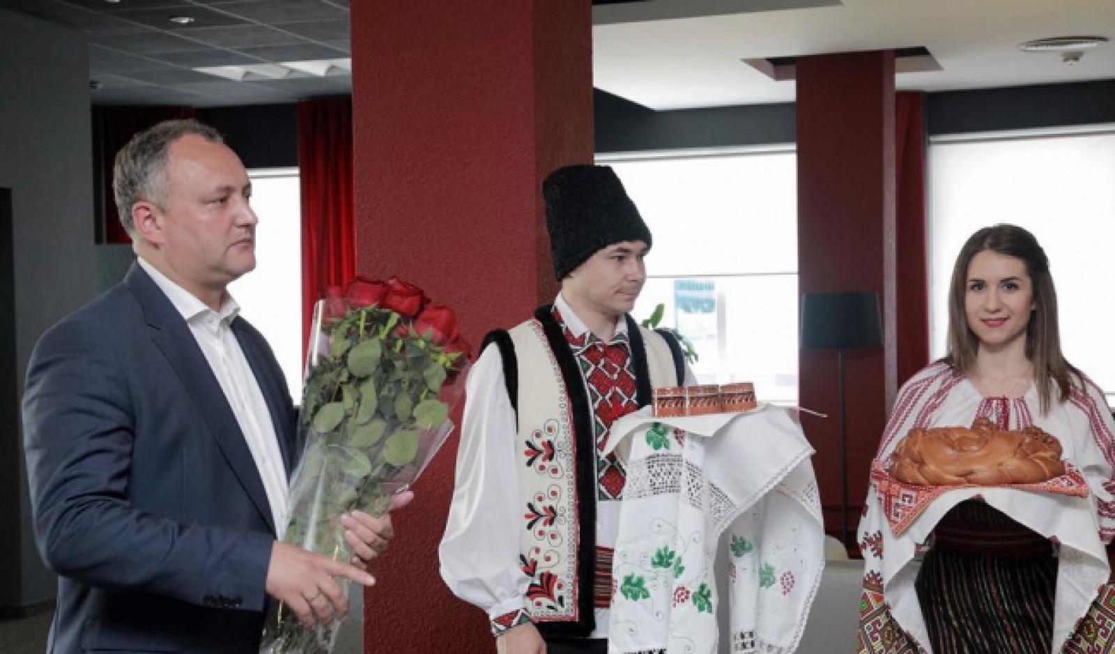 Cheltuielile de transport pentru oficialii și delegațiile străine invitate de Dodon, Candu sau Filip vor fi achitate din bugetul de stat