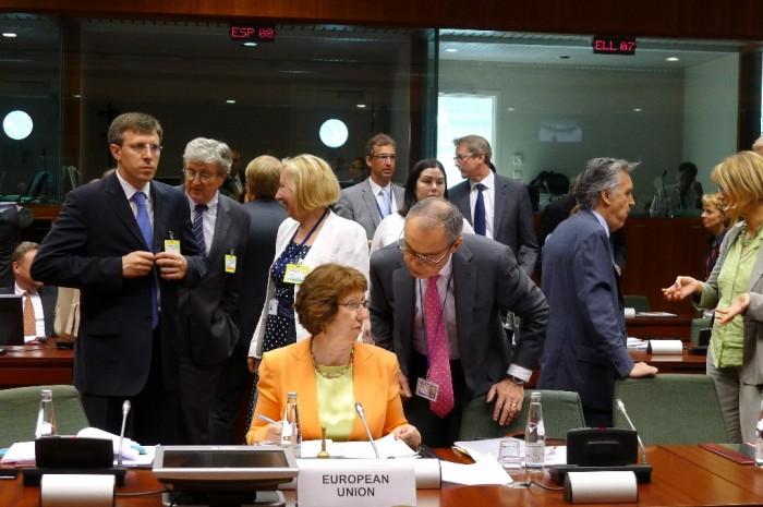 Chirtoacă sesizează europenii: Politicienii de la Chișinău încearcă să ascundă gunoiul sub preș