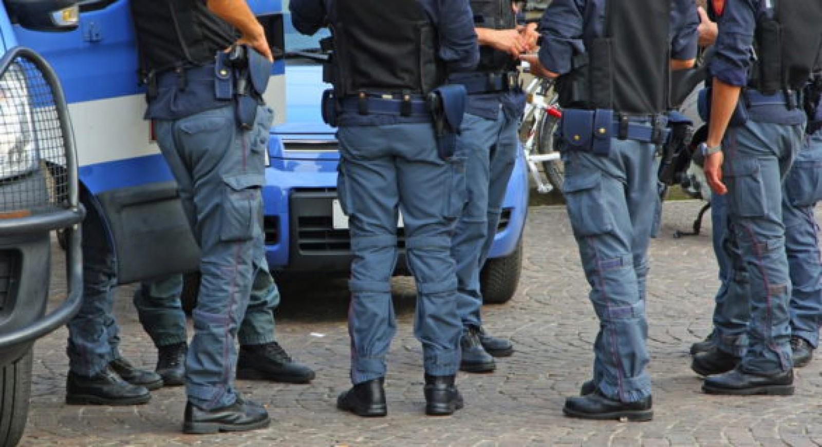 Circa 200 de jurnalişti, beneficiari ai protecţiei poliţiei în Italia