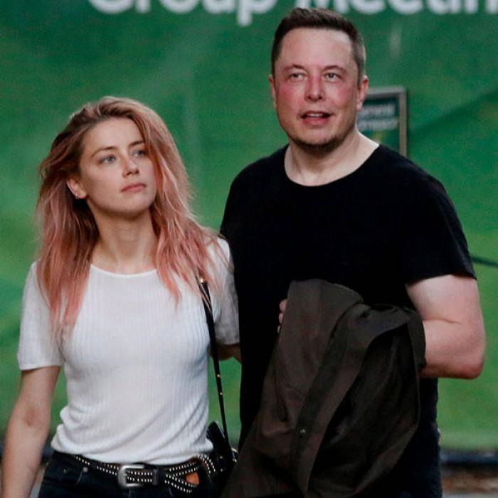 Cofondatorul Tesla Elon Musk și actrița Ambear Heard s-au despărțit