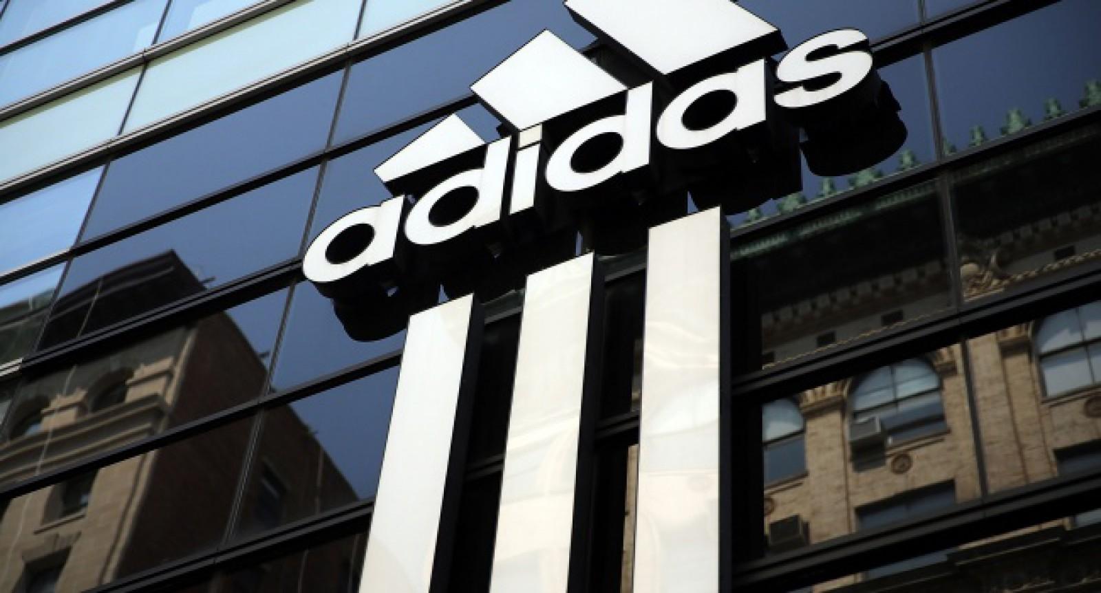 Compania internațională Adidas se judecă cu un butic de la Piața Centrală. Cine încalcă legea