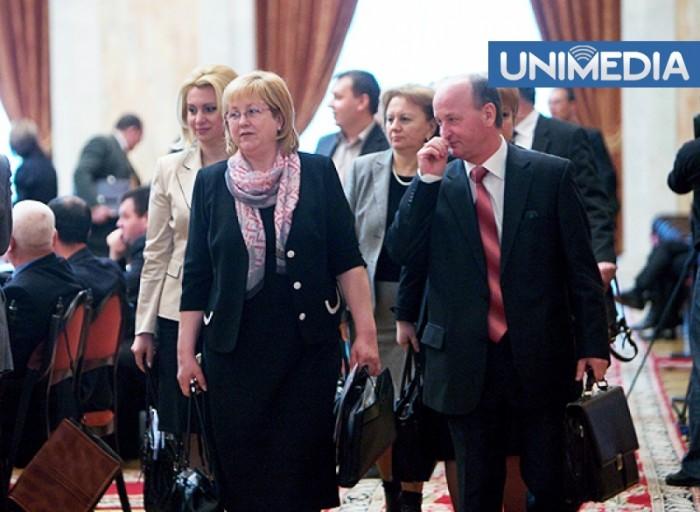 (video) Comuniștii au părăsit ședința Parlamentului, nemulțumiți că aceasta este prezidată de Vlad Plahotniuc