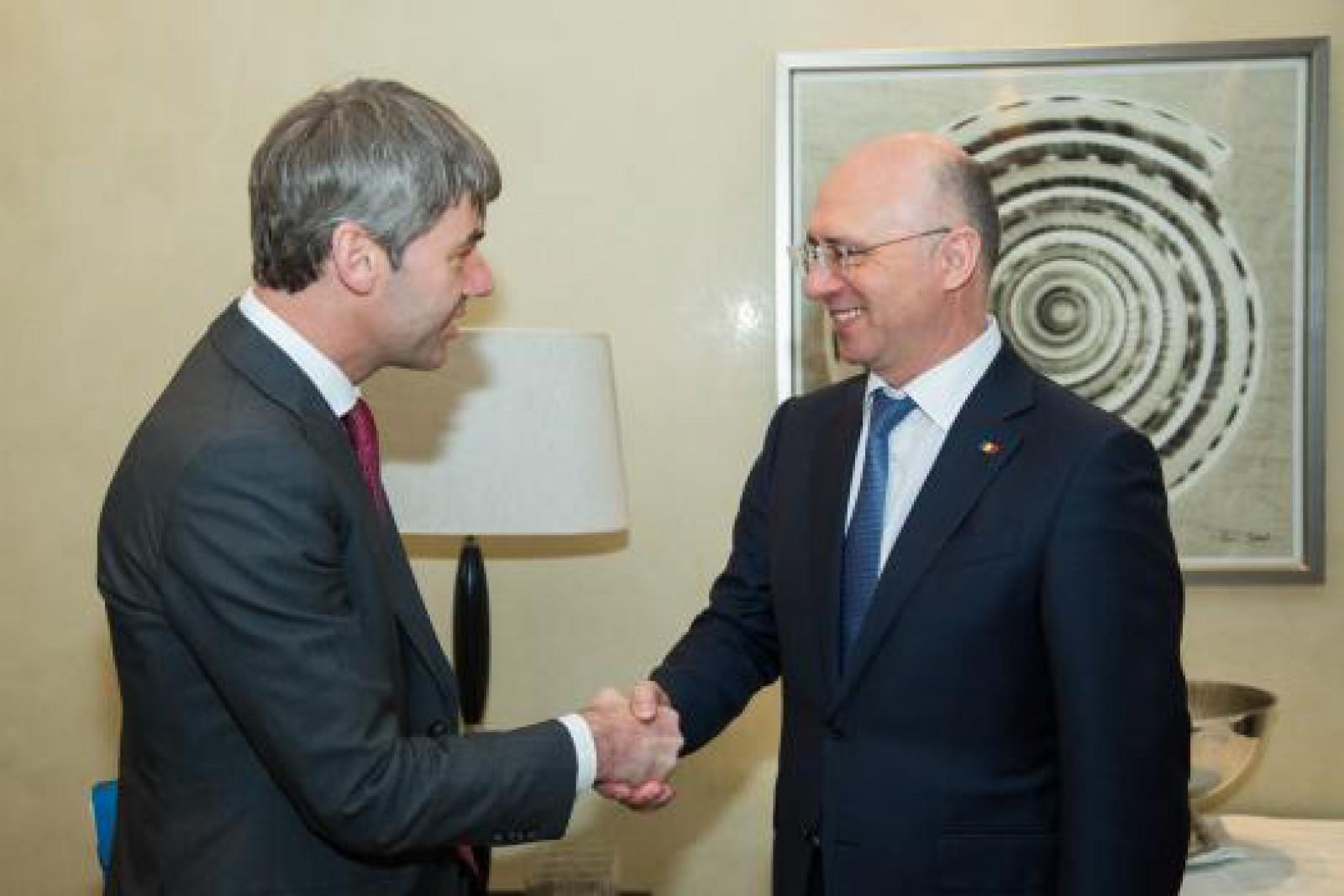 Cooperarea moldo-germană, discutată de premierul Pavel Filip şi consilierul Cancelarului german în domeniul afacerilor externe, Jan Hecker