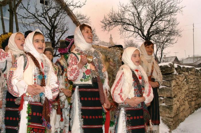 Creştinii ortodocşi de rit vechi sărbătoresc astăzi Crăciunul