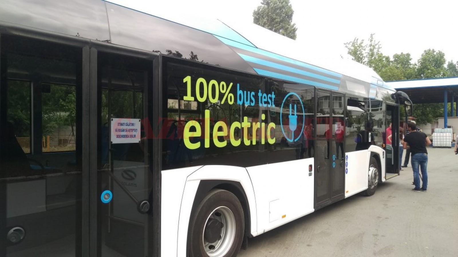 De mâine, un autobuz electric va circula gratuit pe străzile capitalei: Itinerarul acestuia