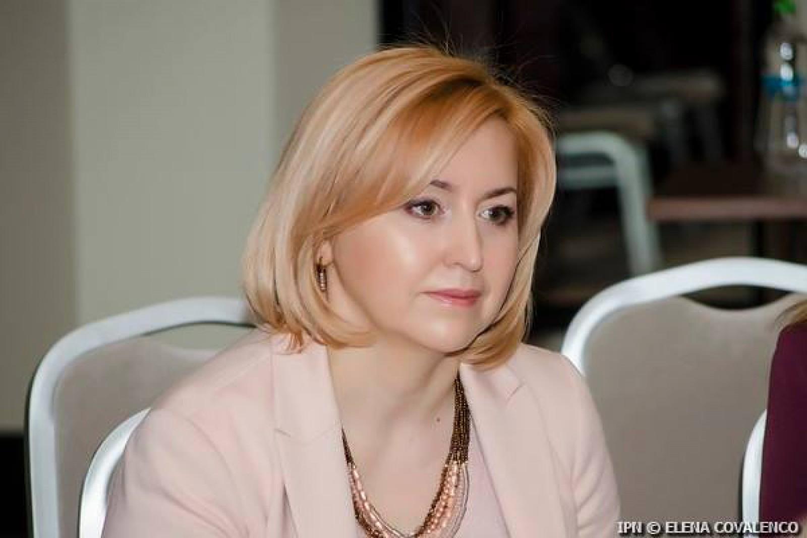 Deputata PCRM, Oxana Domenti, și-a depus mandatul