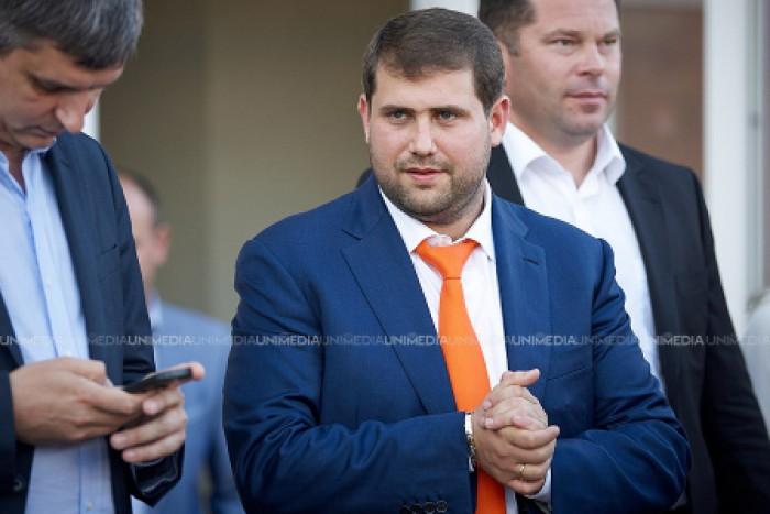 Un europarlamentar, indignat că instanțele de judecată din Republica Moldova îi interzic lui Ilan Shor să meargă la Bruxelles