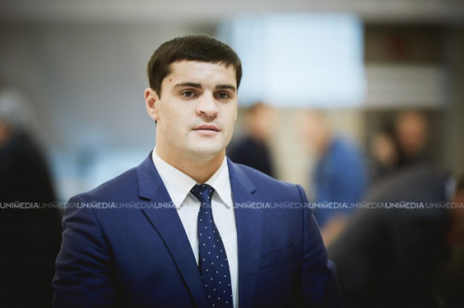 Deputatul PD, Constantin Țuțu, își serbează astăzi ziua de naștere. Politicianul împlinește 31 de ani