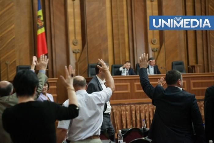 (doc) Parlamentul a adoptat Declarația privind susținerea procesului de integrare europeană a Republicii Moldova