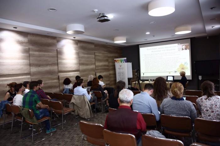 (doc) Rezultatele raportului privind discursul de ură împotriva persoanelor LGBT: 32% din moldoveni consideră că homosexualii ar trebui să fie condamnați la închisoare