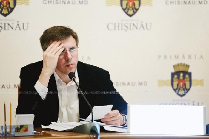 """Dorin Chirtoacă, de partea viceprimarului Grozavu: """"Din câte îl cunosc, niciodată nu s-ar implica în aşa ceva"""""""