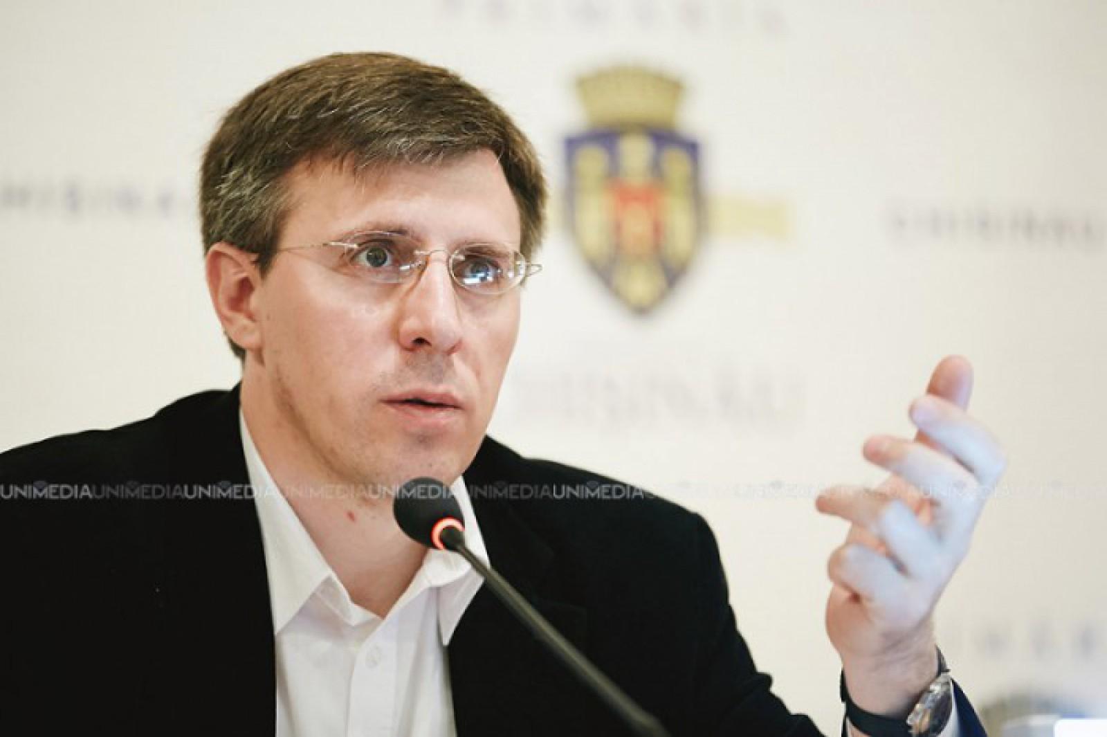 """Dorin Chirtoacă către cetățeni: """"Votând pentru Silvia Radu, votați pentru Plahotniuc. Politica și toate, le va face el, ea va executa"""""""