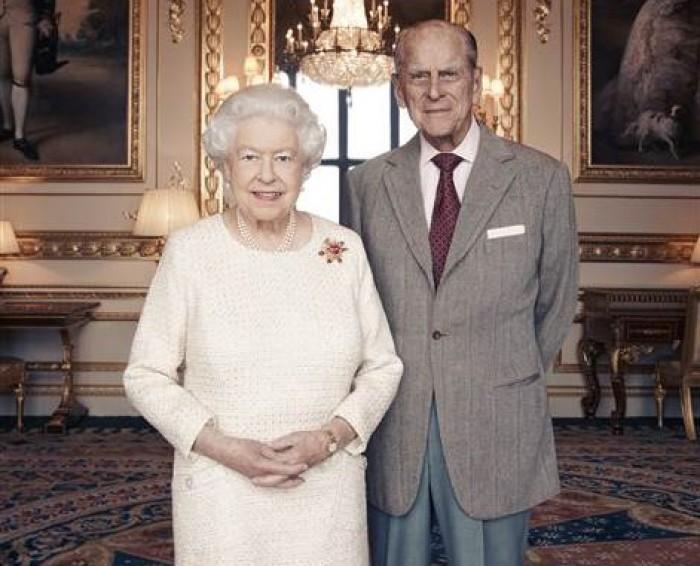 Elisabeta a II-a și prințul Philip marchează cea de-a 70-a aniversare a căsătoriei