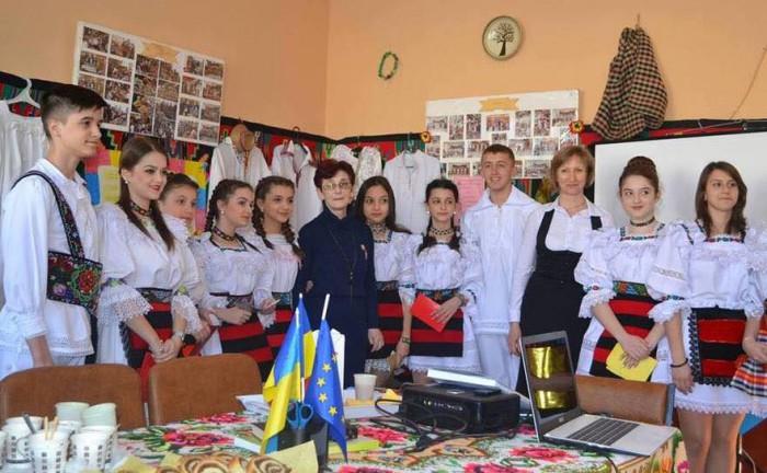 Eugen Tomac: Îmi exprim indignarea şi revolta cu privire la legea educaţiei adoptată de Parlamentul Ucrainei, lege care închide şcolile româneşti