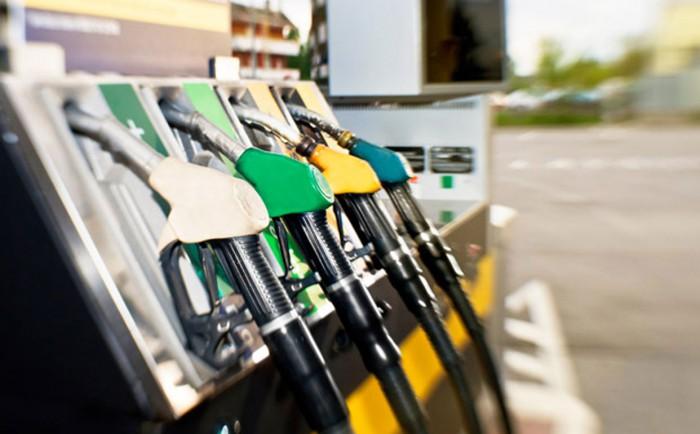 Expert: Metodologia de care se ghidează ANRE la stabilirea prețurilor la carburanți este una greșită