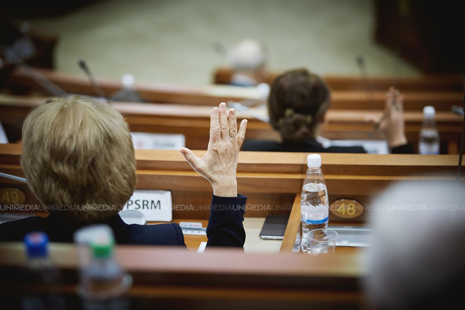 """Expertă în politici de gen, despre mecanismul de promovarea a femeilor în politică propus de PDM: """"Însuși sistemul mixt discriminează femeile"""""""