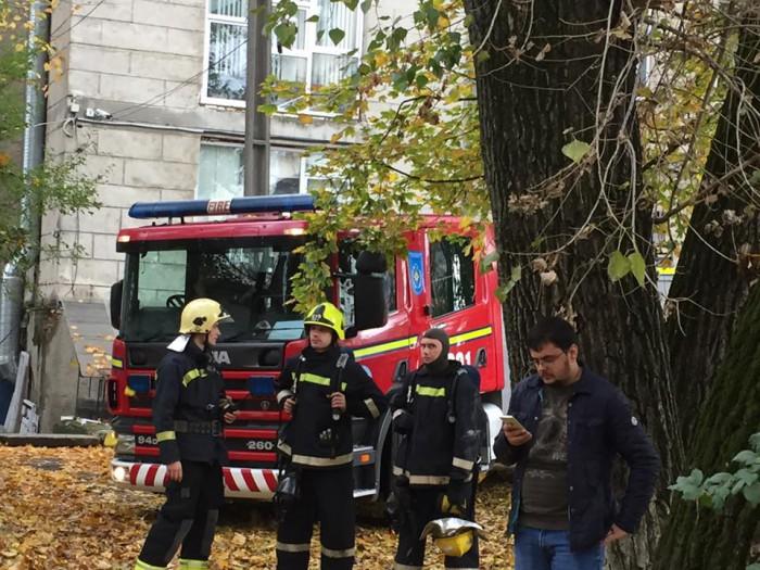 """Fără internet! Un incendiu a izbucnit la unul dintre cei mai mari operatori de telecomunicații din R. Moldova: """"E un dezastru. Au ars cabluri și echipamente"""""""