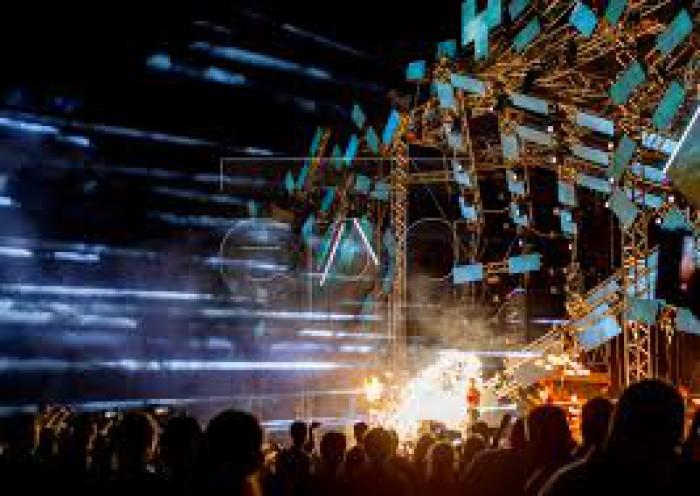 Festivalul de muzică electronică FOSFOR a adunat un număr record de 24 000 de persoane, la Horești