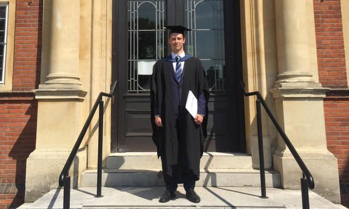 Fiul unui ex-premier va studia la King's College din Londra: Va reveni în Moldova după absolvirea studiilor?