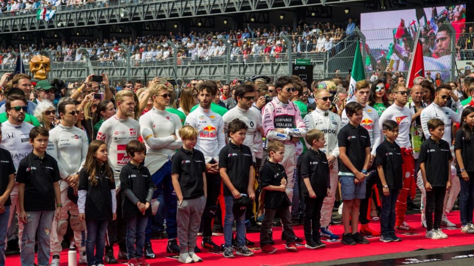Formula 1: Aşa-zisele Grid Girls vor fi înlocuite de copii
