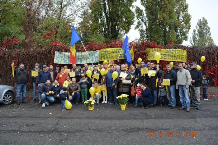 (foto, video) Prin flashmob-uri și filmulețe, comunitățile de moldoveni de peste hotare se mobilizează pentru a merge la votare