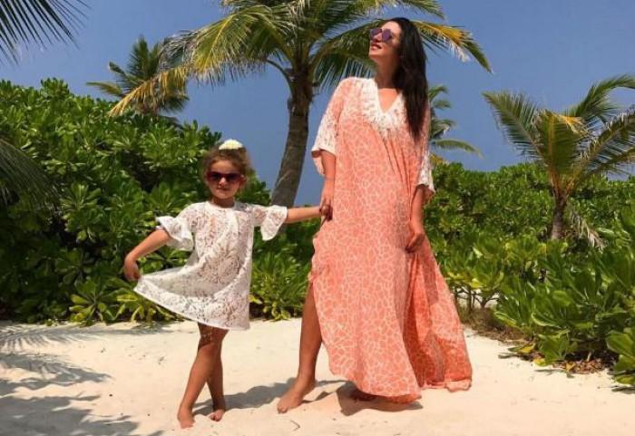 """(foto) În plină iarnă, Jasmin Shor își petrece vacanța împreună cu copiii la mare. """"Vedem cum va reacționa Miron"""""""